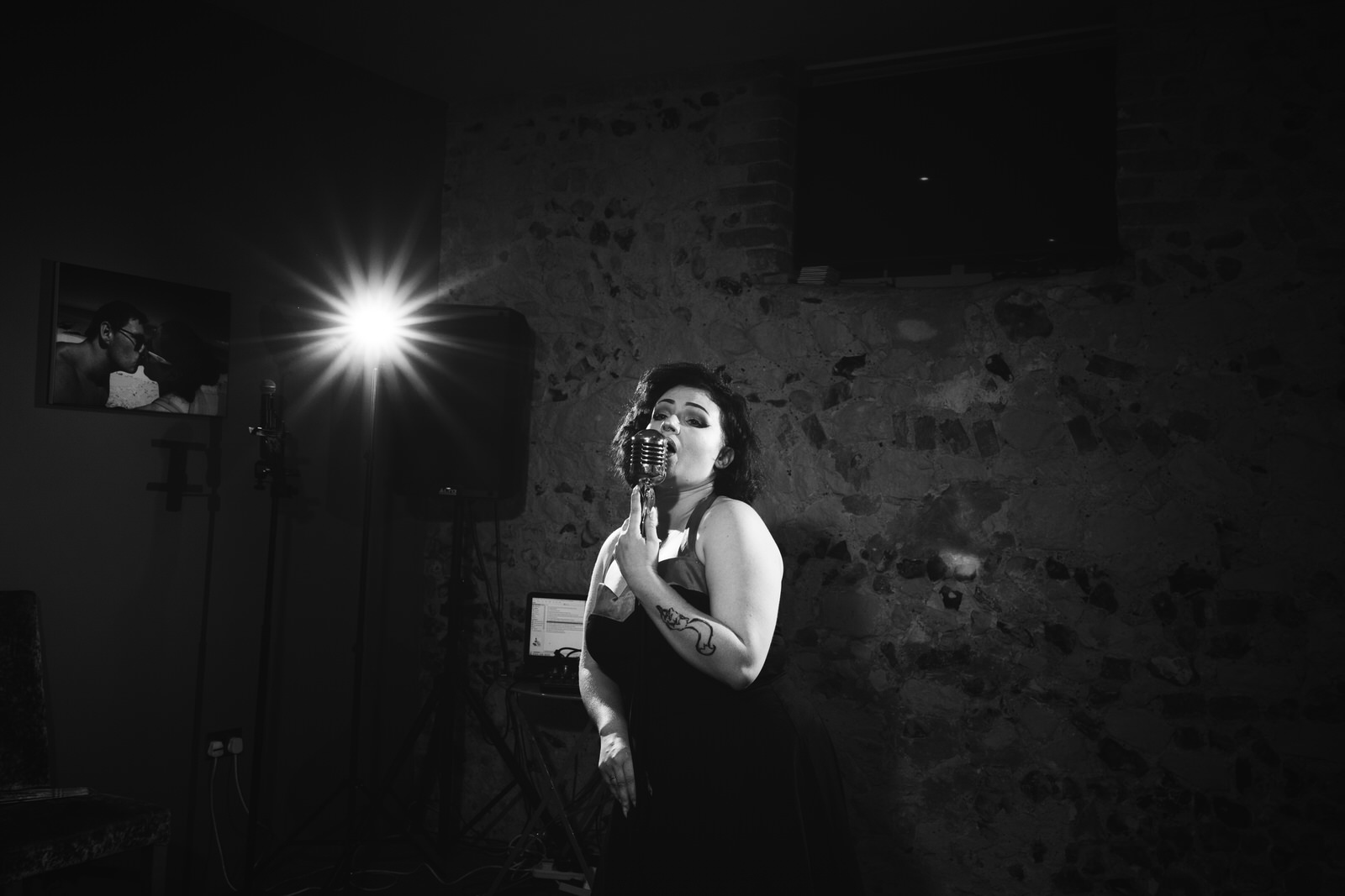Female Wedding Singer in Bury St Edmunds by Tyler Made Photography